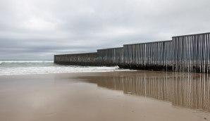 2560px-mexico-us_border_at_tijuana