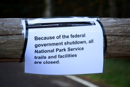 government_shutdown_sign_(10174816623)