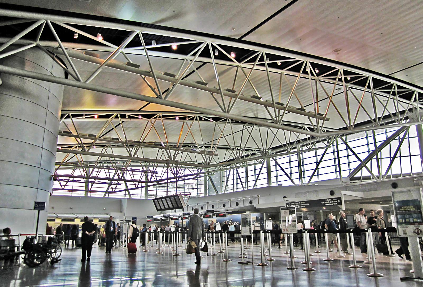 terminal_e_waiting_area